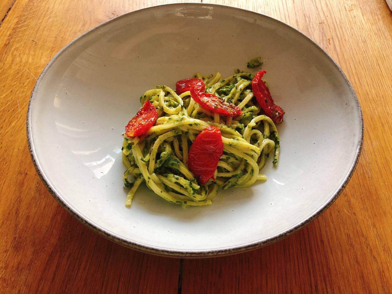 Pasta pesto met ovengedroogde tomaten
