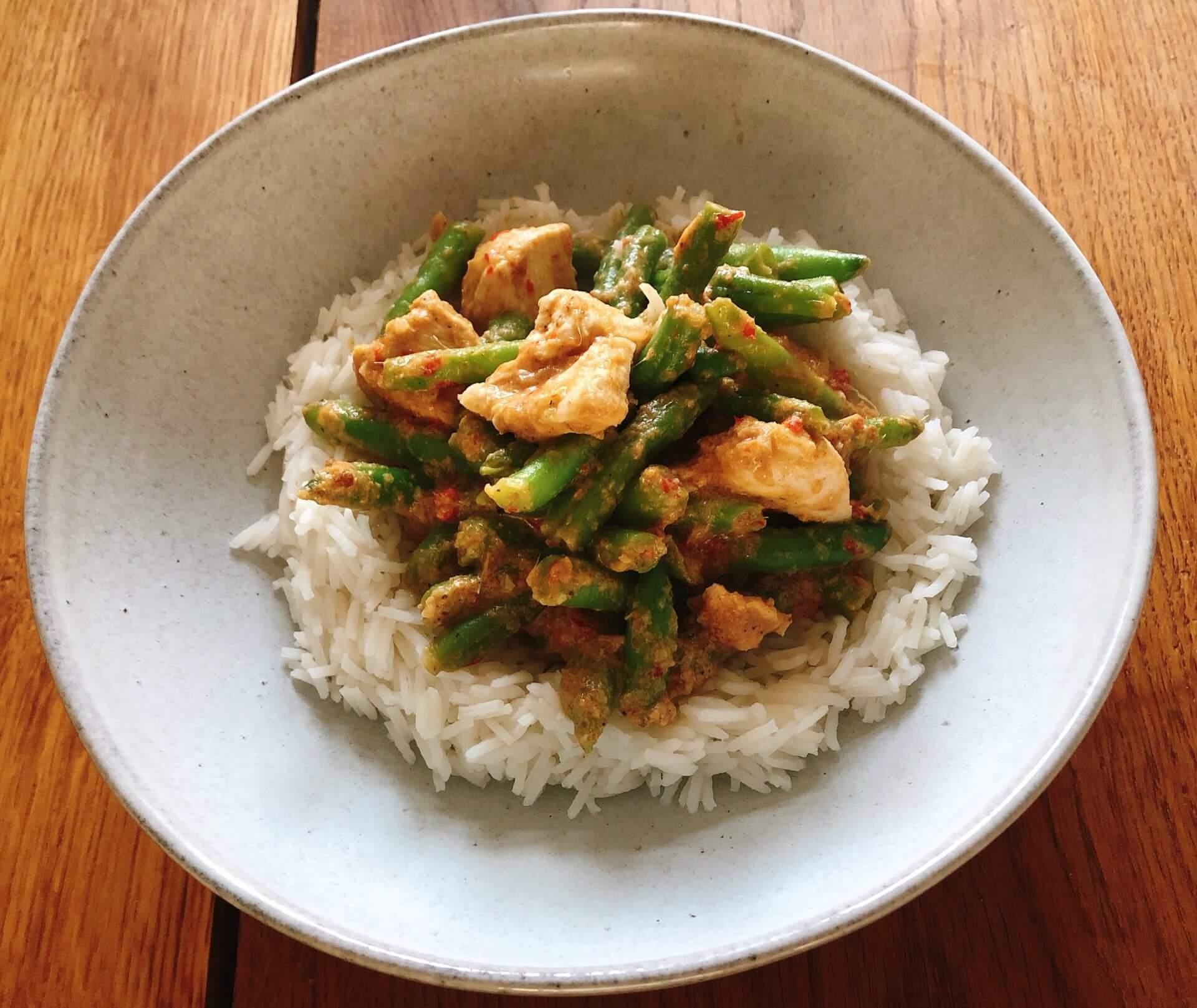 Thaise rode curry met zelfgemaakte currypasta