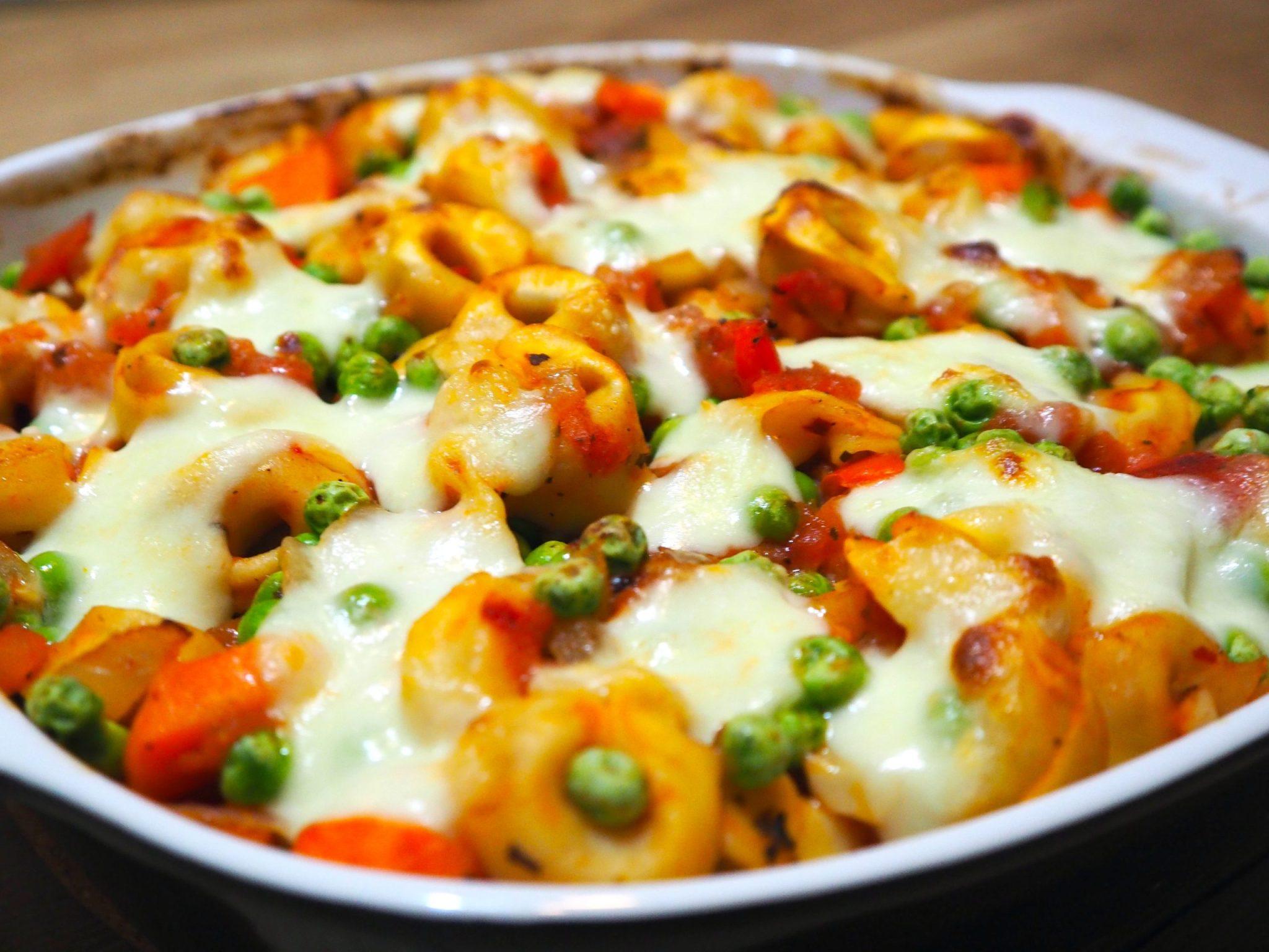 Tortellini ovenschotel met wortel en mozzarella
